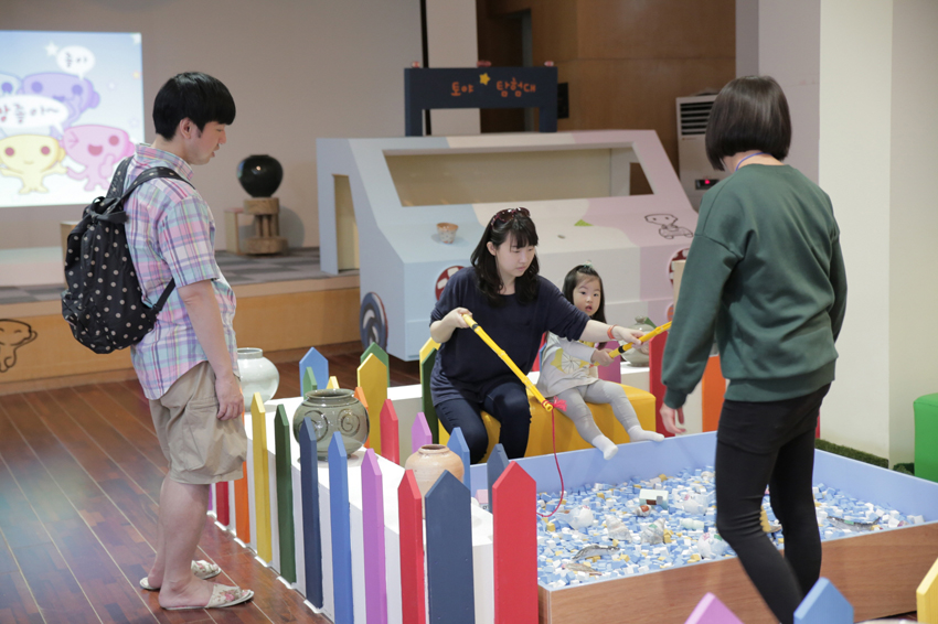 Kids Biennale Season 3: Toya★Expedition